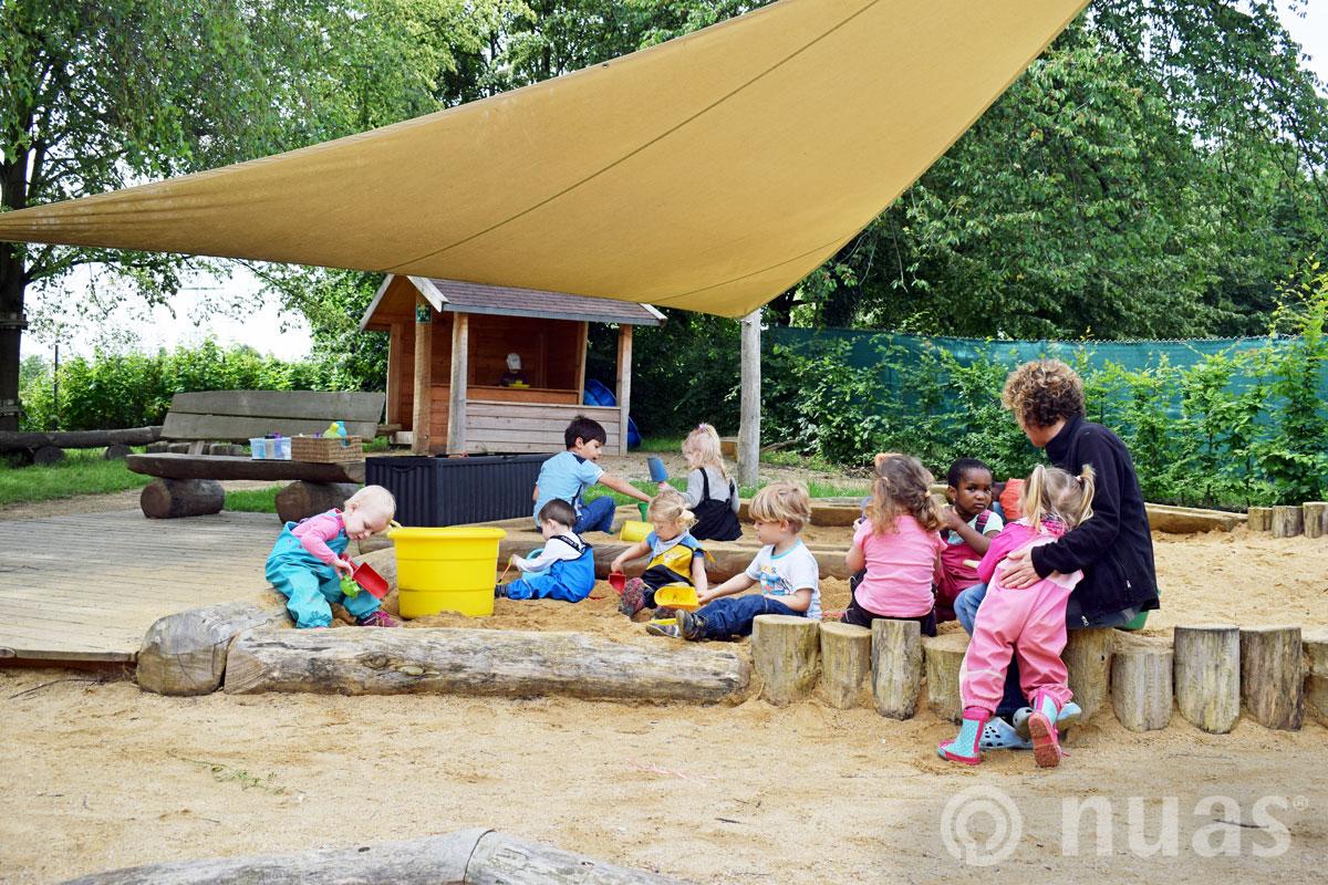 Sandspiellandschaft mit Krabbeldeck - nuas® U3 Naturspielräume
