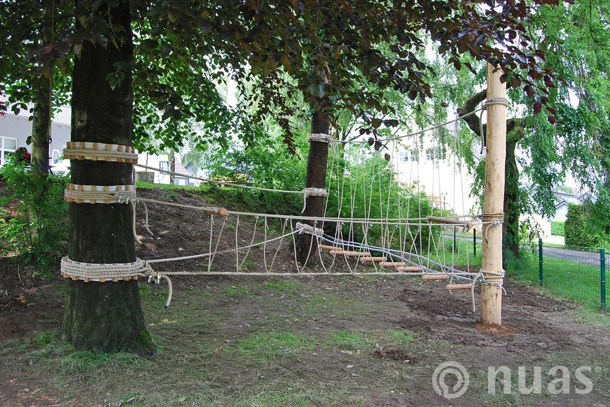 Seilkombination an Bäumen und Pfosten - nuas®  Seillandschaft