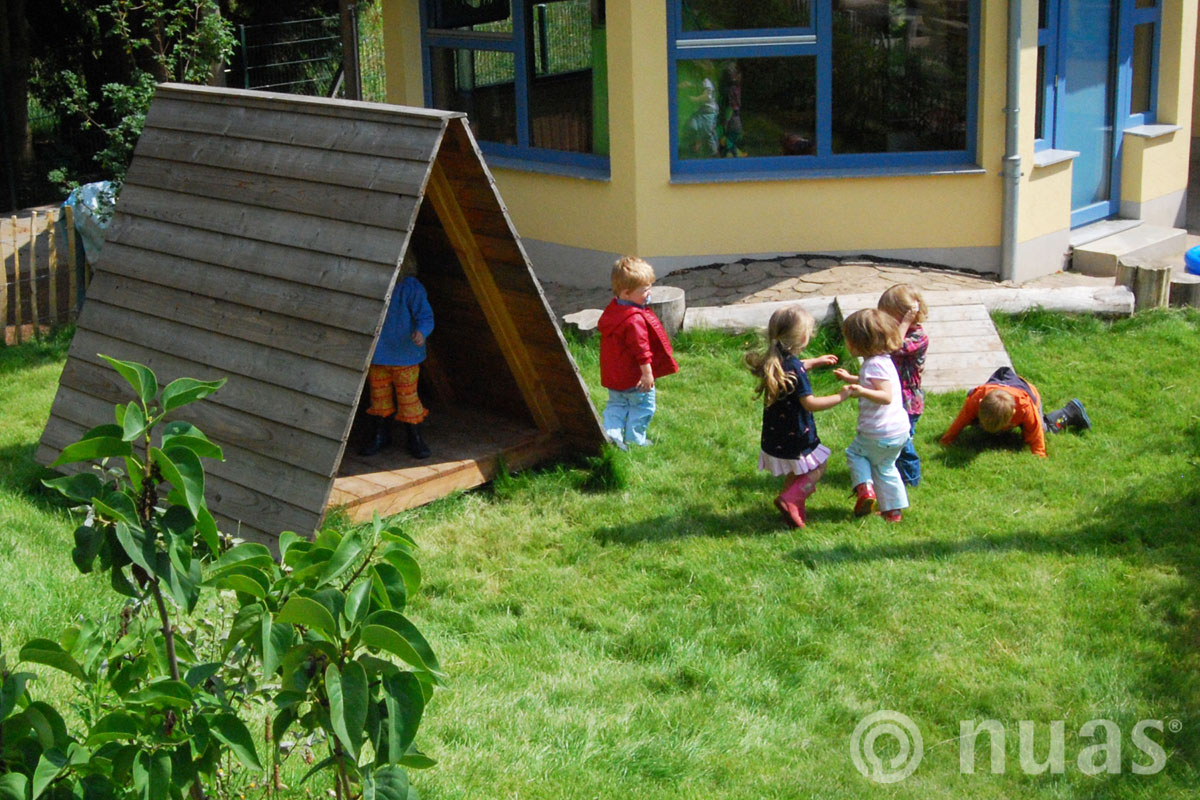 Nurdachhaus - nuas® Häuser aus Holz und Weiden