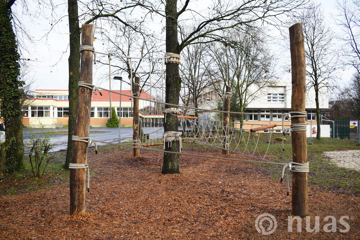 Schulhof Oberschule Hasbergen - nuas®  Seillandschaft