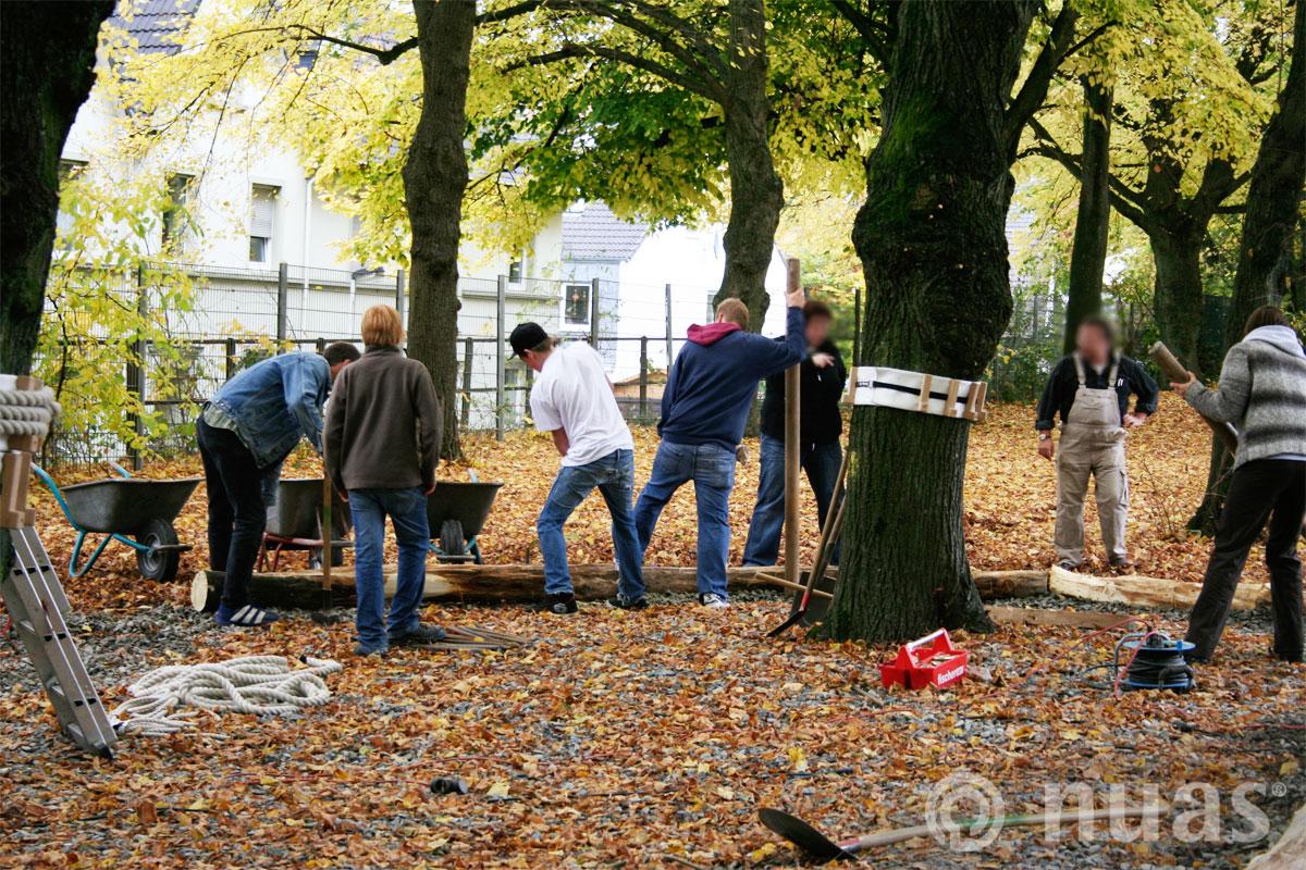 nuas Seillandschaft Baumstammwege Carl Ruß Schule Solingen